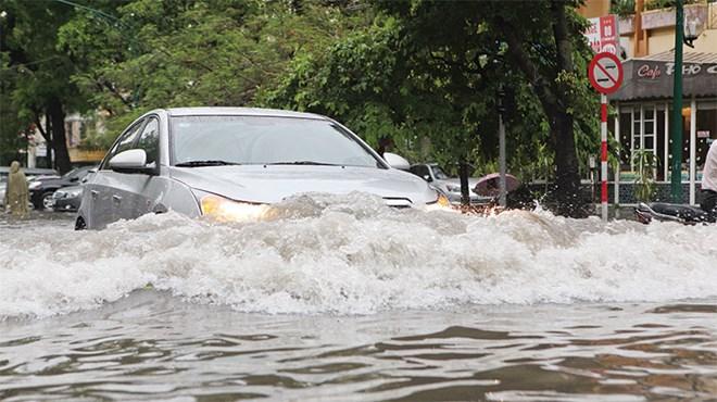 Bảo hiểm ô tô thủy kích là gì?