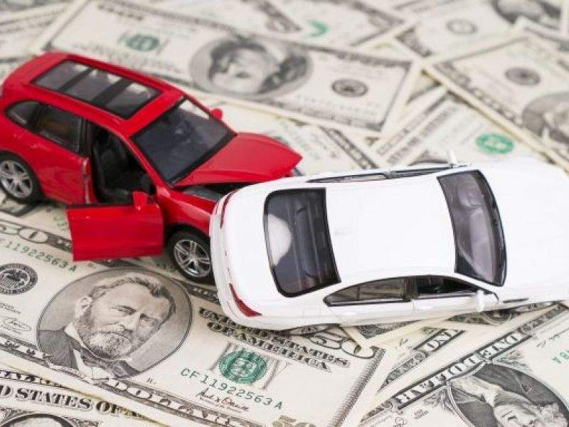 Bảo hiểm vật chất ô tô giá rẻ có nên mua không?
