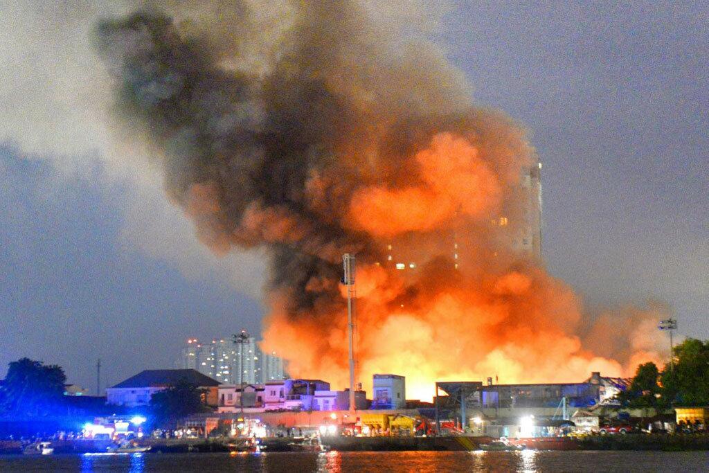 Quyền và trách nhiệm của bên mua bảo hiểm cháy nổ bắt buộc