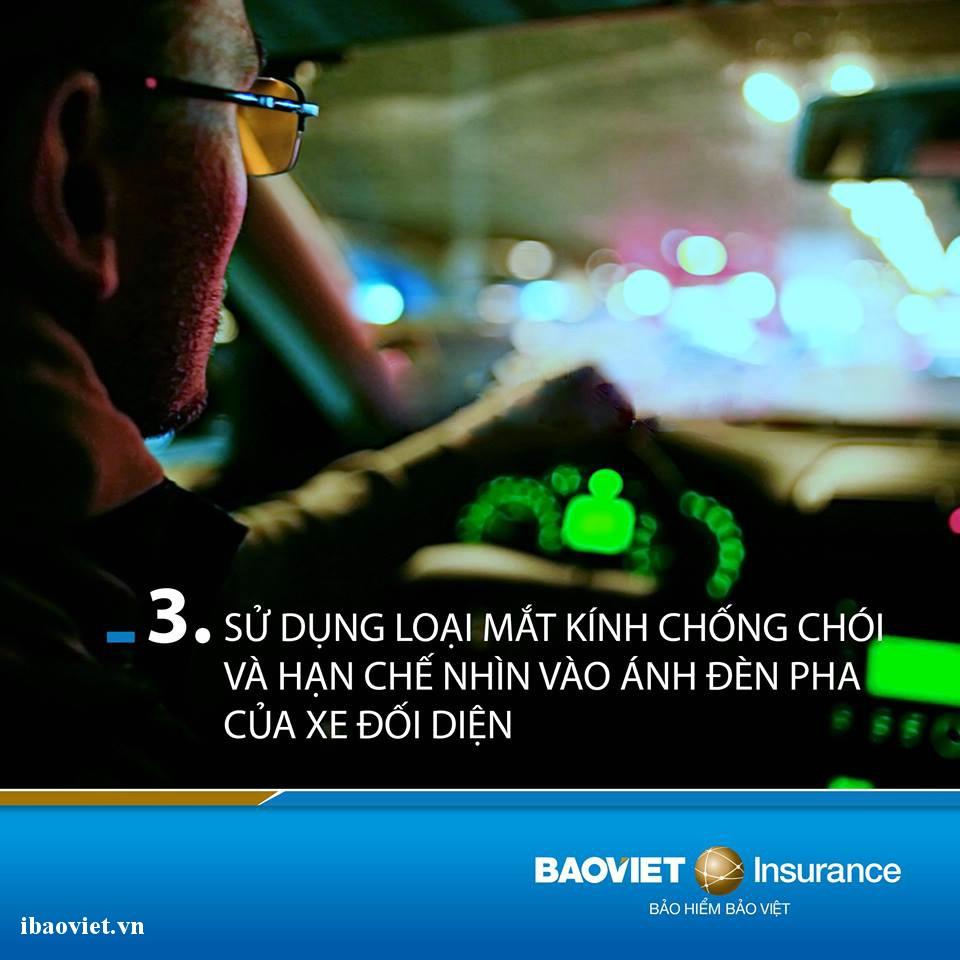 sử dụng loại mắt kính chống chói khi lái xe ban đêm