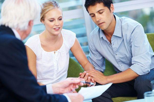 Có nên mua bảo hiểm sức khỏe cho người trưởng thành?