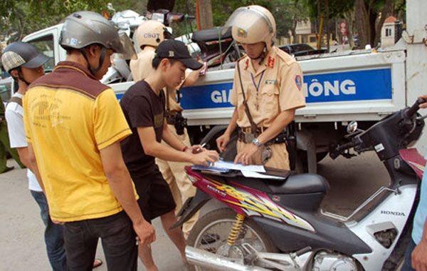 Lỗi không có bảo hiểm xe máy bắt buộc phạt bao nhiêu tiền?