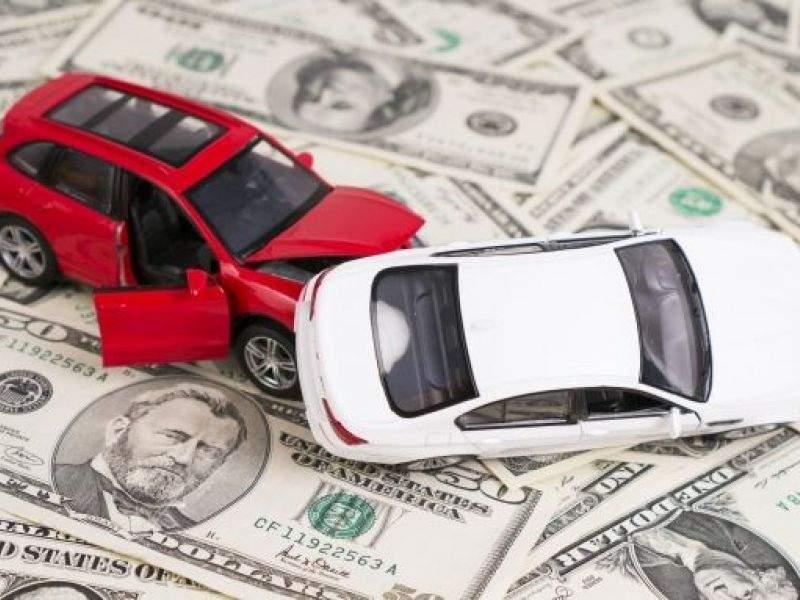 Bảo hiểm vật chất xe ô tô giá rẻ có nên mua hay không?