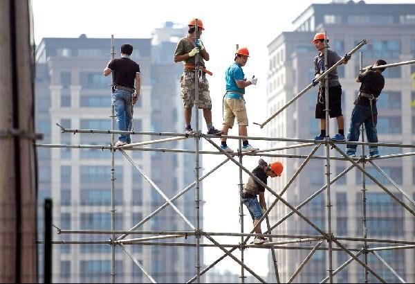 Mua bảo hiểm lao động cho công nhân cần lưu ý điều gì?