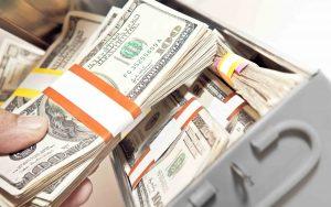 Tiền bảo hiểm mất giá thì tiền bỏ trong két cũng mất giá